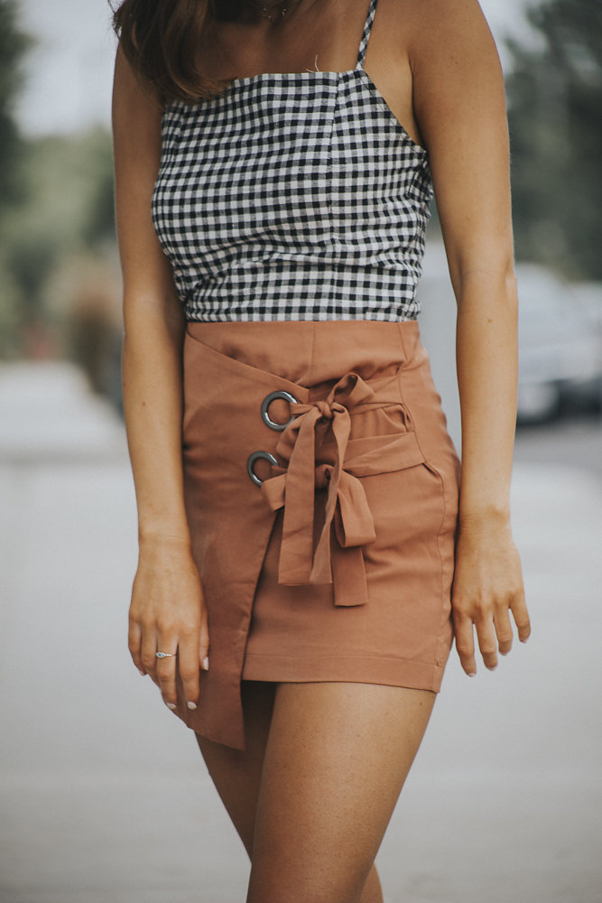 Three Ways to Style a Wrap Skirt for Fall // @allisonnkelleyy
