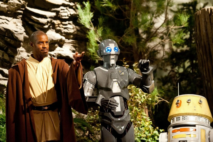 Star Wars: Jedi Temple Challenge - Master Kelleran Beq (Ahmed Best) with his Droid Companions AD-3 (Mary Holland) and LX-R5