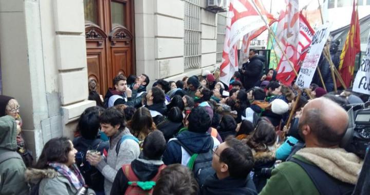 """Fraude y represión made in """"Cambiemos"""" en la Universidad de Buenos Aires"""