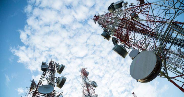 Telefónica y Claro devolverán el dinero cobrado de forma irregular