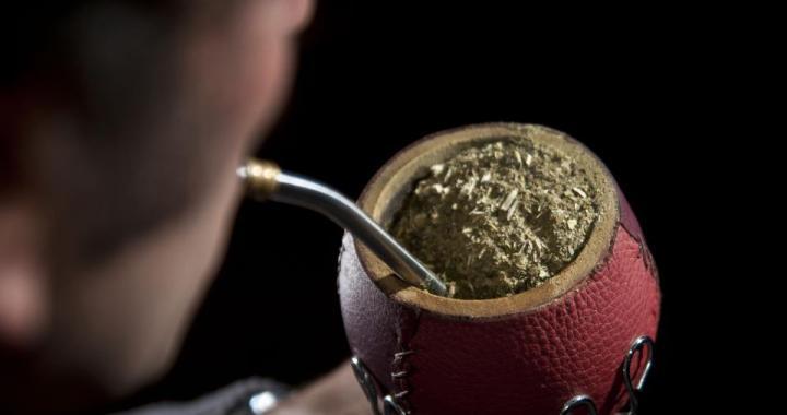 Golpe al bolsillo (y a la costumbre): La yerba mate podría costar $160