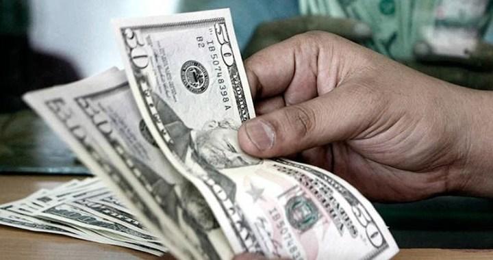 El Gobierno apelará a su «poder de fuego» para controlar brecha del dólar