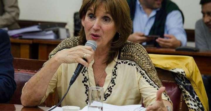 Virginia Cornejo y La Rural, contra suspensión de exportaciones de maíz