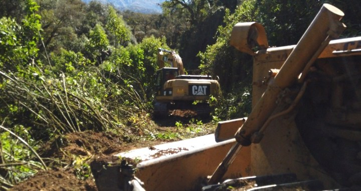 Los Toldos: aseguran que esta semana terminan la ruta por territorio argentino