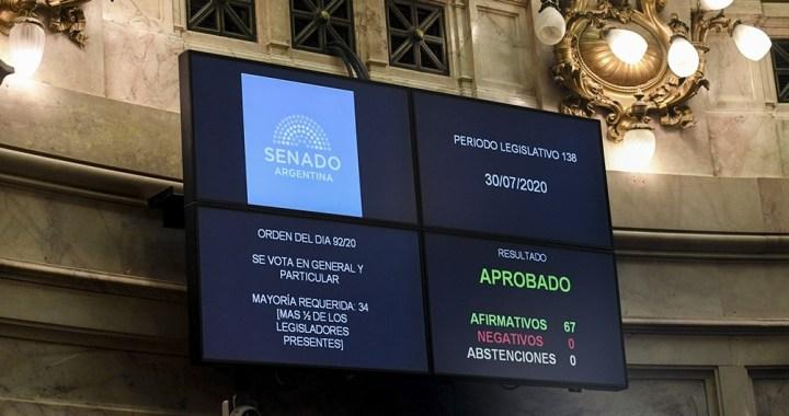 Oficializan ley de reestructuración de la deuda pública emitida bajo ley argentina
