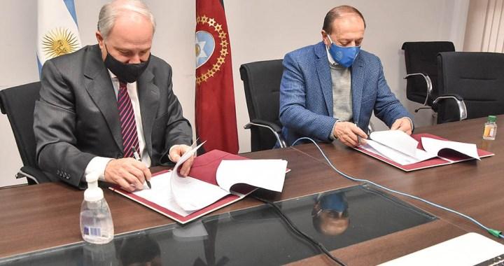 Cánepa y Claros firmaron acuerdo para capacitar más de 2 mil docentes