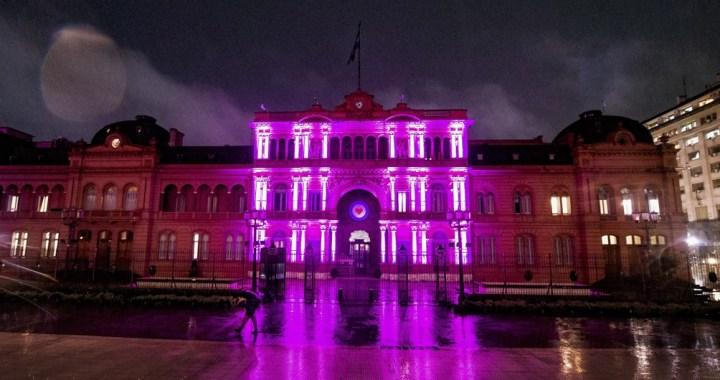 Iluminaron la Casa Rosada por el Día Mundial de Lucha contra el Cáncer de Mama
