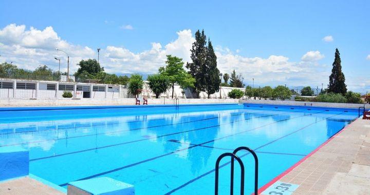 Confirman que los natatorios municipales abrirán este verano y avalan refrescarse en ríos