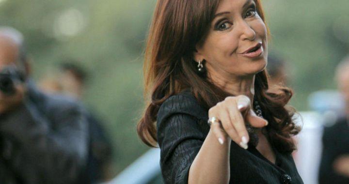 Cristina Kirchner toma control de tarifas y las congela por 90 días