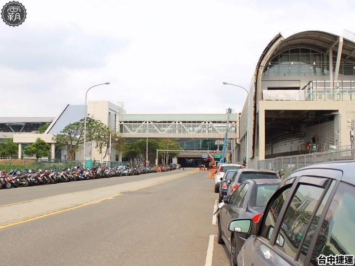 20190512161436 96 - 這個捷運站出入口不一樣!台中綠線捷運站出入口成電聯車廂模樣,好有趣!