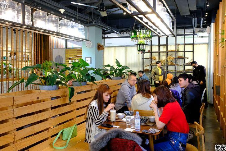 20210119191247 22 - Solar table於光早午餐,野菜盤使用自家栽種生菜,翠綠野菜好豐盛,假日生意超夯阿~