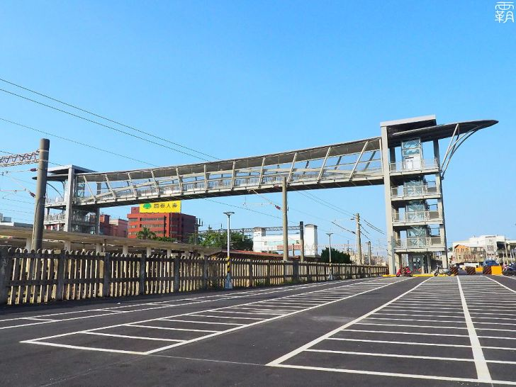 PA040041 01 - 大甲車站跨越橋啟用!新闢汽機車停車場,串聯前後站更便利!