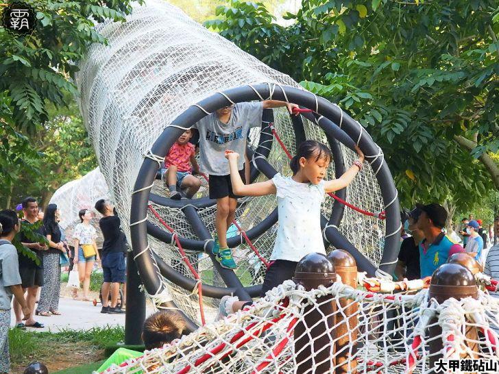PA040147 01 - 雕塑公園新增溜滑梯、沙坑、爬網等設施,假日時刻家長們溜小孩的好去處~