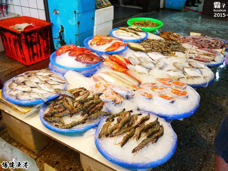 梧棲漁港,逛魚市、看漁船、吃烤魷魚,連大閘蟹這邊都有哩!(梧棲觀光魚市/台中旅遊/台中景點/清水景點)