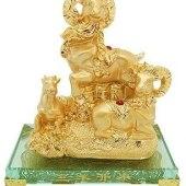 Golden Three Sheep San Yang Kai Tai