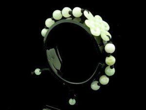 Jade Elegant Mystic Knot Bracelet1