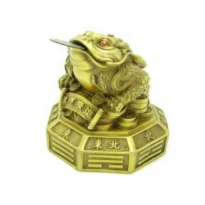 Brass Money Frog on Pa Kua1