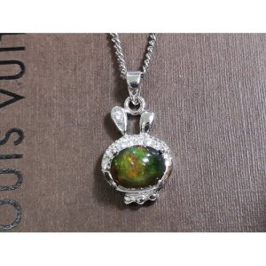 Bejeweled Black Opal Pendant A 欧泊1