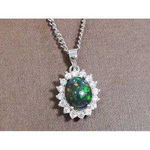 Bejeweled Black Opal Pendant B 欧泊1