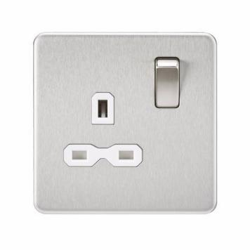 KnightsBridge 1G 13A 230V Screwless Brushed Chrome UK 3 Pin Switched Electrical Wall Socket - White Insert