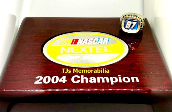 2004 NASCAR NEXTEL CUP SERIES CHAMPIONS CHAMPIONSHIP RING & PRESENTATION BOX