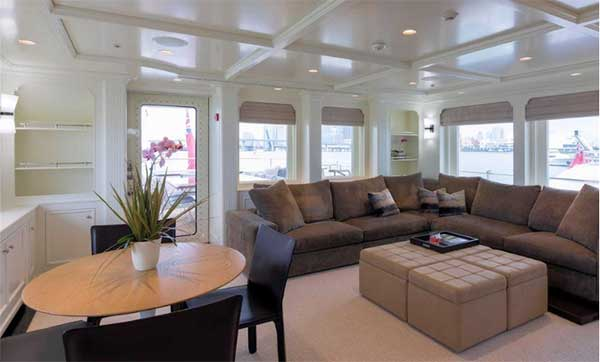 128 Newcastle Expedition Yacht Safira Report Buy