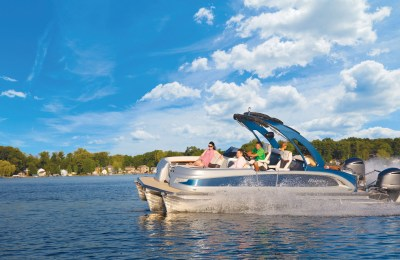 Pontoon Boats Ontario 2021…Fun, Fast and Functional