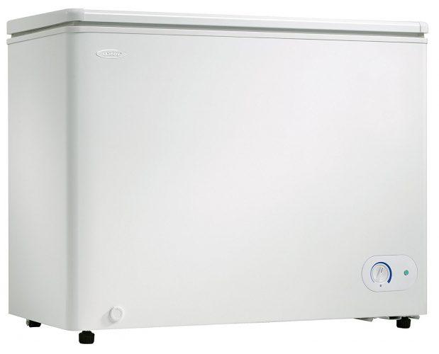 Danby DCF072A2WDB1 Chest Freezer, 7.2 Cubic Feet, White - Deep Freezers