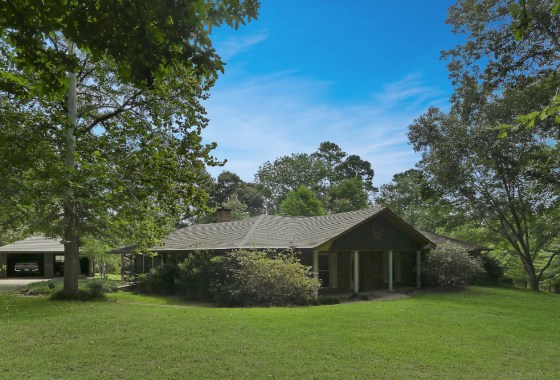 941 ACR 153, Palestine TX 75801-House and Land for Sale