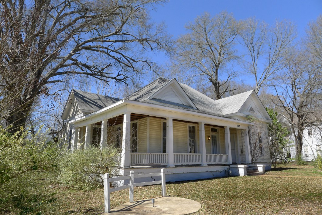 935 N. Queen, Palestine, TX 75801 - House for Sale