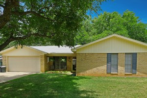 110 Juniper, Palestine, TX 75803-House for Sale