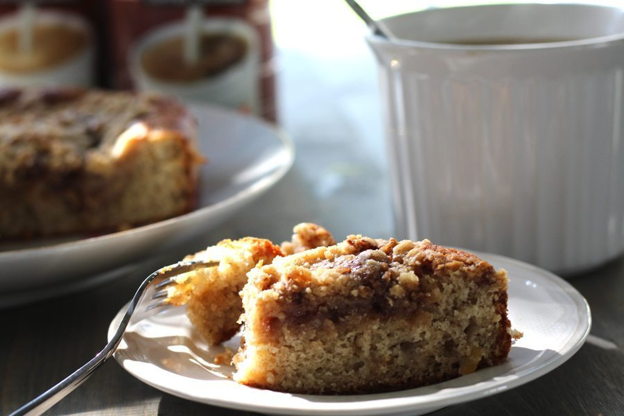 Spiced Apple Crumb Coffee Cake