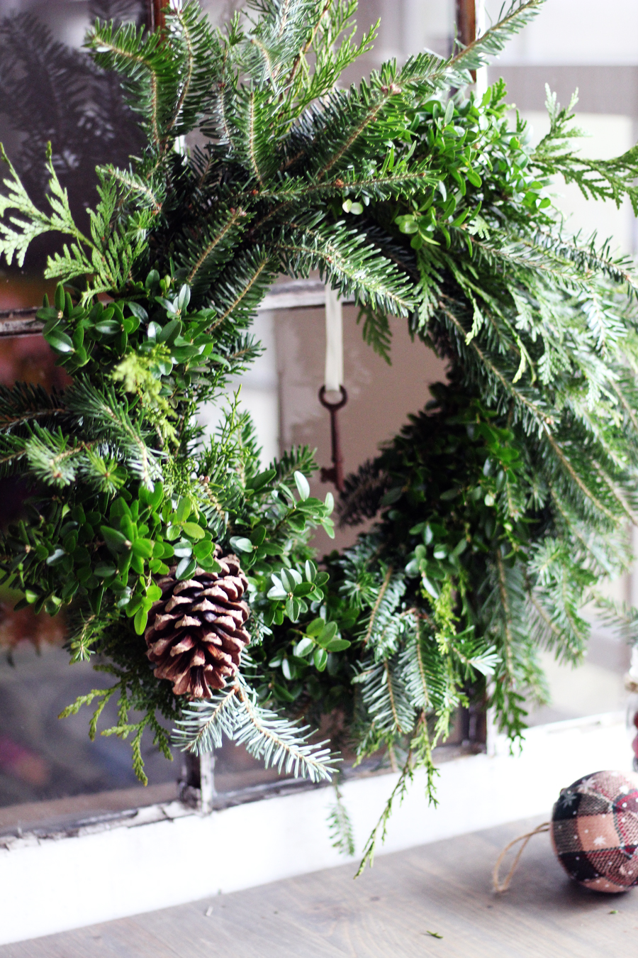 You won't believe how fast this natural Christmas wreath came together.