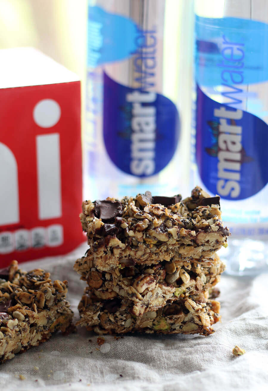 It is so easy to make your own delicious and wholesome homemade granola bars.