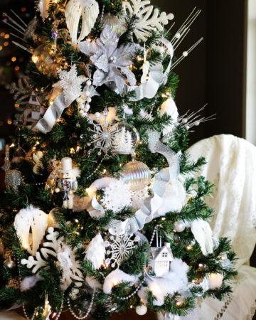 Winter White Christmas Tree Decorating Ideas