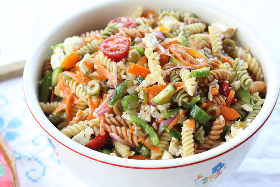 Zesty Italian Pasta Salad | Buy This Cook That  Bite after bite of fresh vegetables, tender pasta, and zesty Italian flavors make this side dish a favorite.  #Italianpastasalad #pastasalad