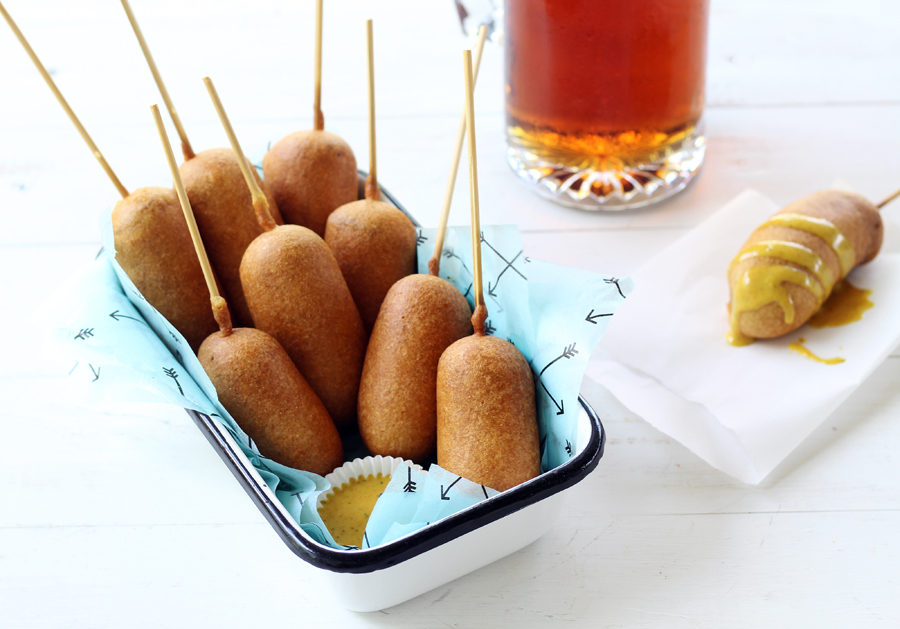 Beer Battered Bratwurst Corn Dogs with Homemade Honey Mustard Sauce  #corndogs #bratwurst