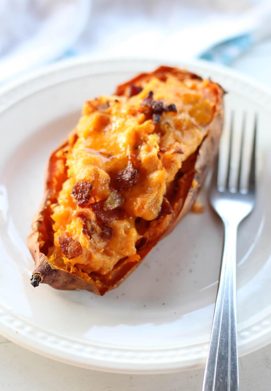 Savory Bacon + Cheddar Twice Baked Sweet Potatoes  #sweetpotatoes #twicebakedsweetpotatoes #sweetpotatorecipe #loadedsweetpotatoes