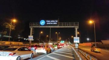 Avrasya Tüneli, araç yangını nedeniyle kapatıldı