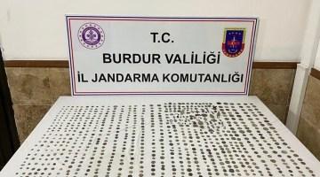 Burdur'da 793 tarihi eser ele geçirildi