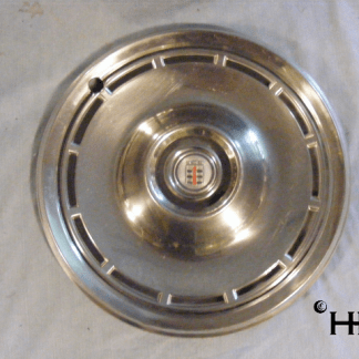 front view of hubcap # c14chry1976_7