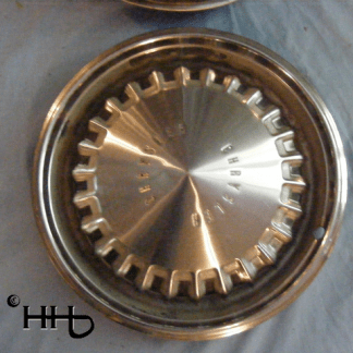 front view of hubcap # c15chry1969_3