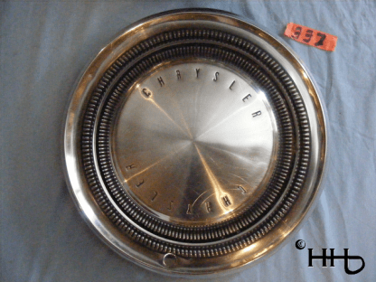 front view of hubcap # c15chry1969_4