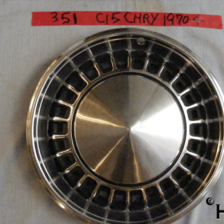 front view of hubcap # c15chry1970_4