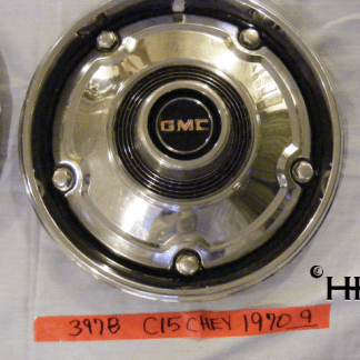 front view of hubcap # c15chev1970_9