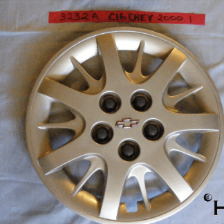 front view of hubcap # c16chev2000_1