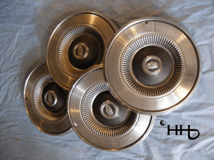 group view of hubcap # c14ford1975_6