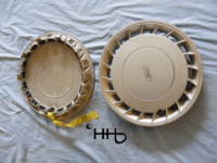 back and front view of hubcap # c14ford1992_7