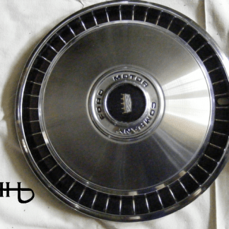 fronf view of hubcap # c15ford1972_3