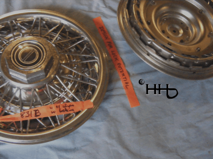 front and back view of wire wheel hubcap # w14ford1981_4